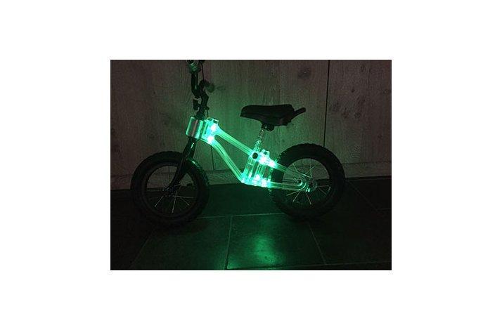 LØBECYKEL RIDEPHANTOM Balancecykel med led lys Blå Blink